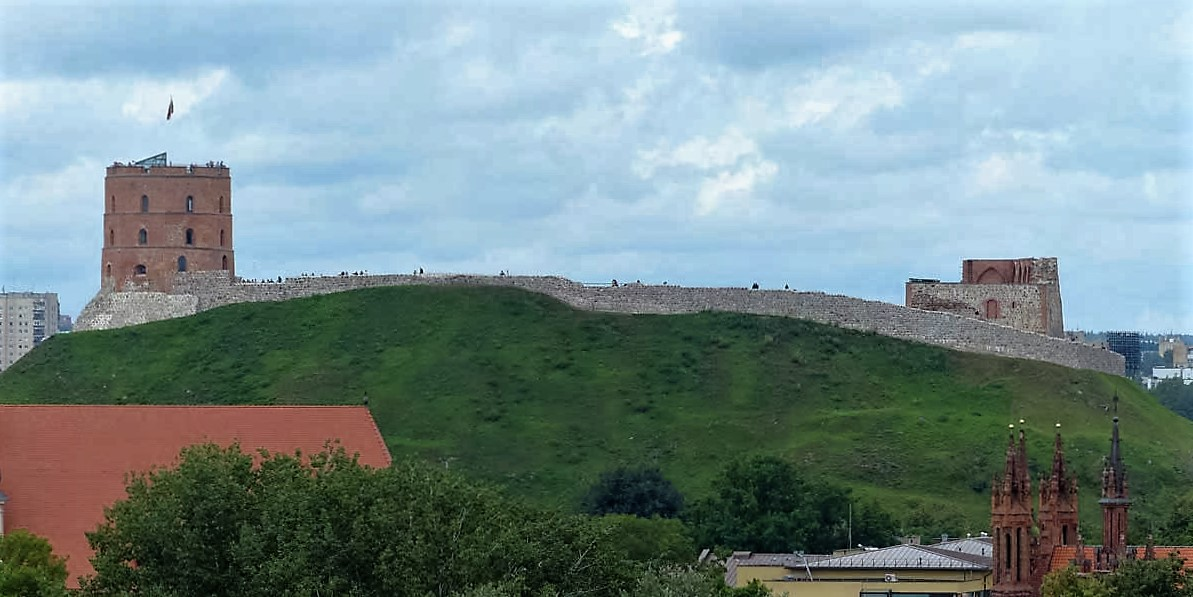 vilnius-history-upper-castle-gediminas-castle-2-photo-leif-almo